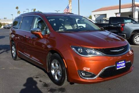 2018 Chrysler Pacifica Hybrid for sale at DIAMOND VALLEY HONDA in Hemet CA