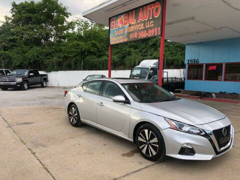 2019 Nissan Altima for sale at Global Auto Sales and Service in Nashville TN