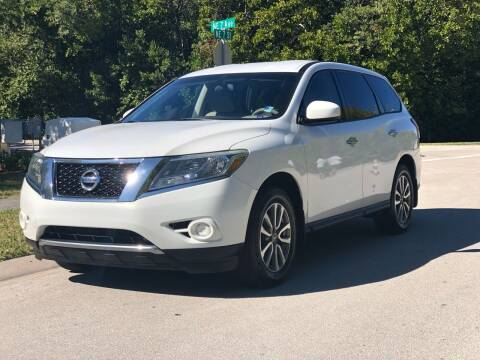 2013 Nissan Pathfinder for sale at L G AUTO SALES in Boynton Beach FL