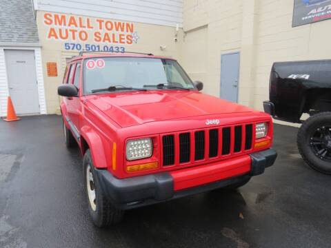 2000 Jeep Cherokee for sale at Small Town Auto Sales in Hazleton PA