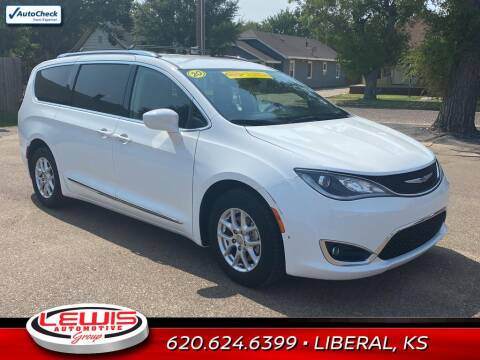 2020 Chrysler Pacifica for sale at Lewis Chevrolet Buick of Liberal in Liberal KS