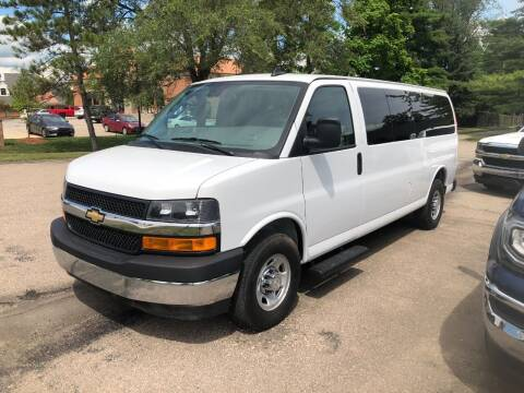 2019 Chevrolet Express Passenger for sale at Leonard Enterprise Used Cars in Orion MI