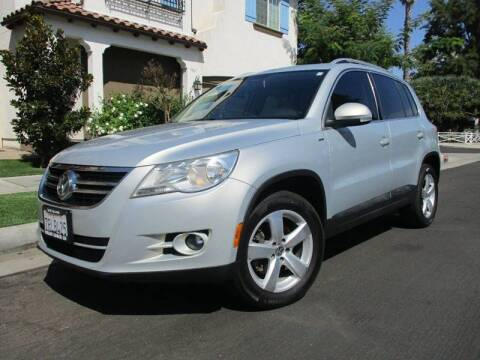 2010 Volkswagen Tiguan for sale at Valley Coach Co Sales & Lsng in Van Nuys CA