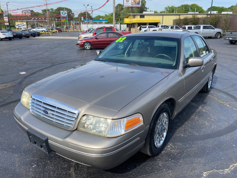 2002 Ford Crown Victoria for sale at IMPALA MOTORS in Memphis TN