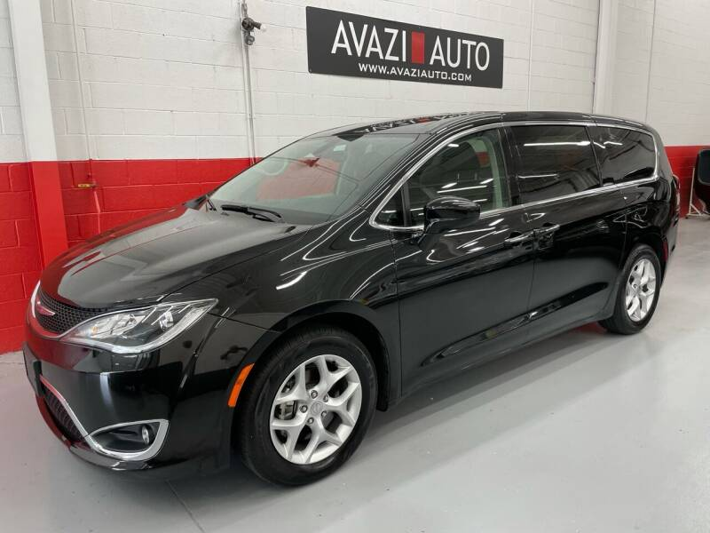 2020 Chrysler Pacifica for sale at AVAZI AUTO GROUP LLC in Gaithersburg MD