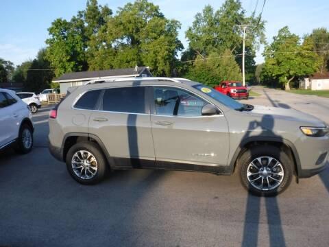 2020 Jeep Cherokee for sale at Dave's Car Corner in Hartford City IN