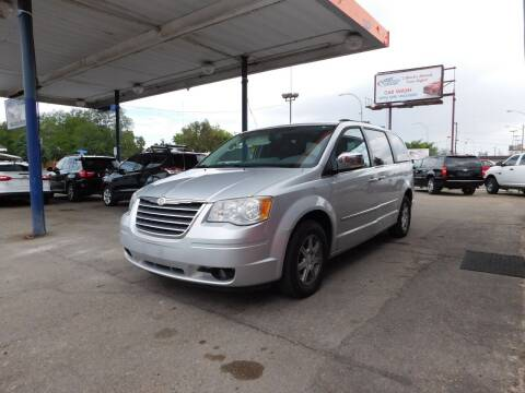 2010 Chrysler Town and Country for sale at INFINITE AUTO LLC in Lakewood CO