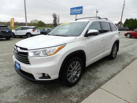 2016 Toyota Highlander for sale at Leitheiser Car Company in West Bend WI
