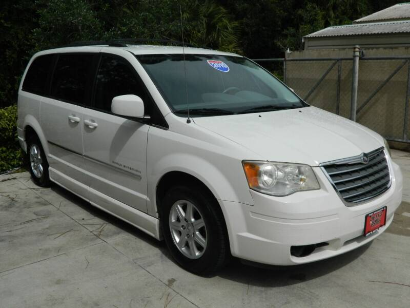 2010 Chrysler Town and Country for sale at Jeff's Auto Sales & Service in Port Charlotte FL