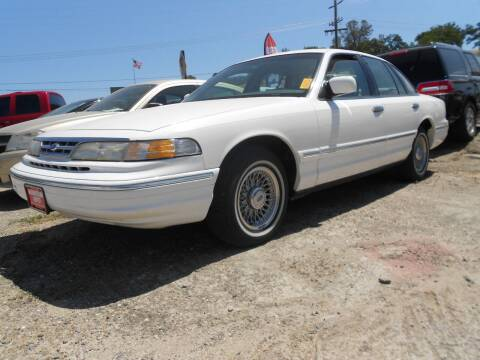 1997 Ford Crown Victoria for sale at Mountain Auto in Jackson CA