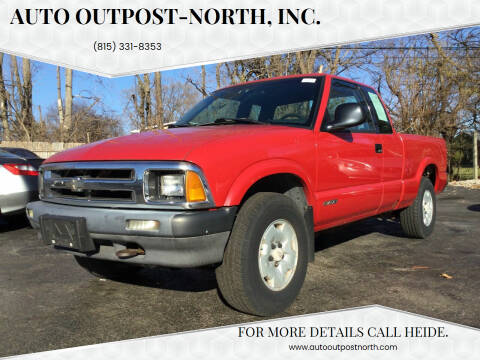 1994 Chevrolet S-10 for sale at Auto Outpost-North, Inc. in McHenry IL