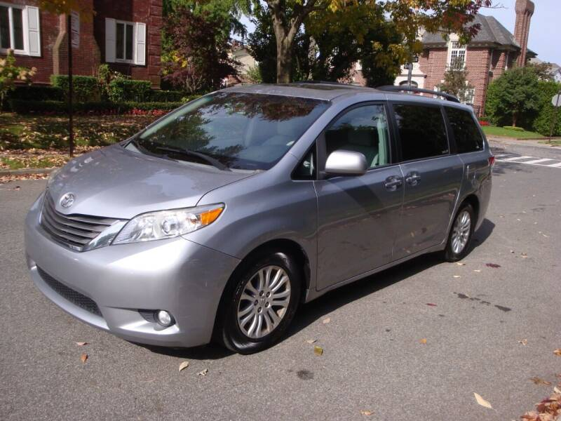 2014 Toyota Sienna for sale at Cars Trader in Brooklyn NY