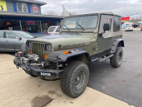 1990 Jeep Wrangler for sale at Wise Investments Auto Sales in Sellersburg IN