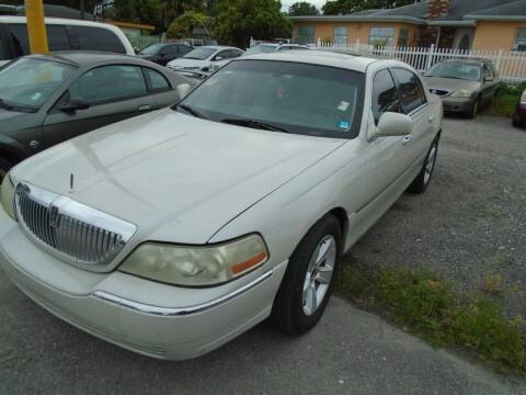 2006 Lincoln Town Car for sale at Bargain Auto Mart Inc. in Kenneth City FL