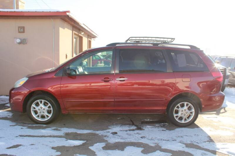 2004 Toyota Sienna for sale at Epic Auto in Idaho Falls ID