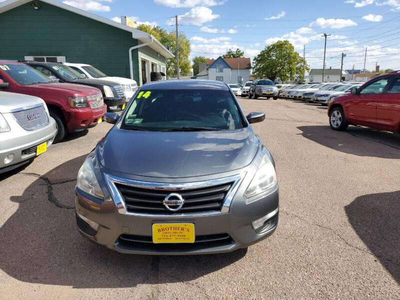 2014 Nissan Altima for sale at Brothers Used Cars Inc in Sioux City IA