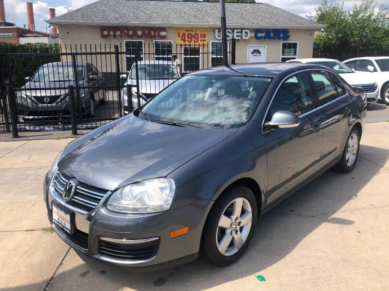 2009 Volkswagen Jetta for sale at DYNAMIC CARS in Baltimore MD
