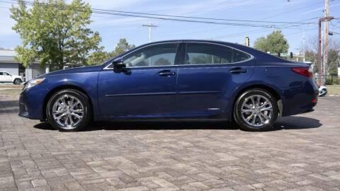 2013 Lexus ES 300h for sale at Cars-KC LLC in Overland Park KS
