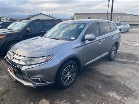 2017 Mitsubishi Outlander for sale at FREDY USED CAR SALES in Houston TX