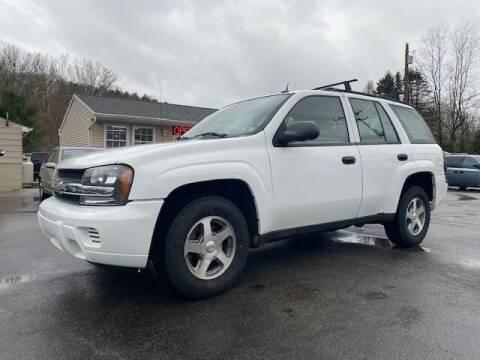 2005 Chevrolet TrailBlazer for sale at INTERNATIONAL AUTO SALES LLC in Latrobe PA