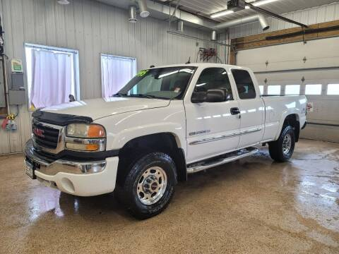 2004 GMC Sierra 2500HD for sale at Sand's Auto Sales in Cambridge MN