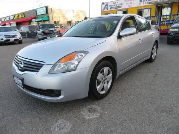 2008 Nissan Altima for sale at Import Auto World in Hayward CA