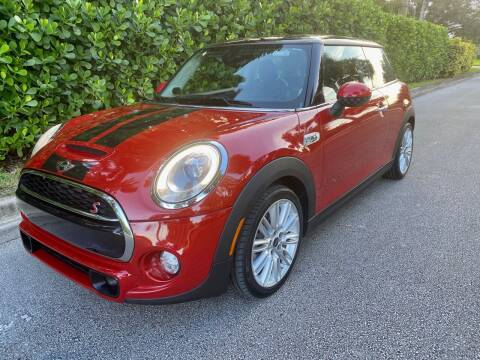 2015 MINI Hardtop 2 Door for sale at DENMARK AUTO BROKERS in Riviera Beach FL