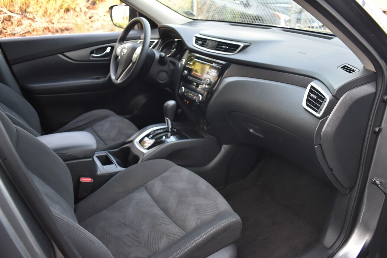 2016 Nissan Rogue SV AWD 4dr Crossover full