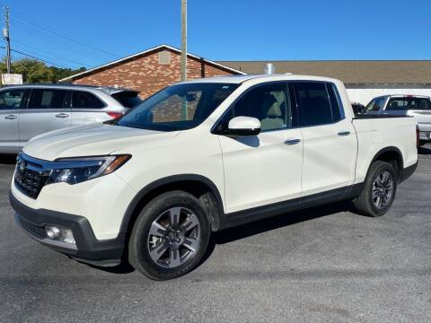 2019 Honda Ridgeline for sale at Modern Automotive in Boiling Springs SC
