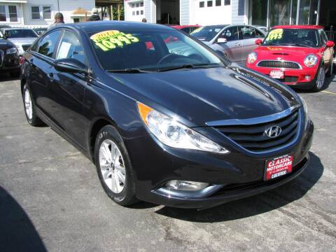 2013 Hyundai Sonata for sale at CLASSIC MOTOR CARS in West Allis WI