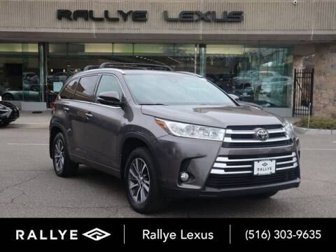2017 Toyota Highlander for sale at RALLYE LEXUS in Glen Cove NY