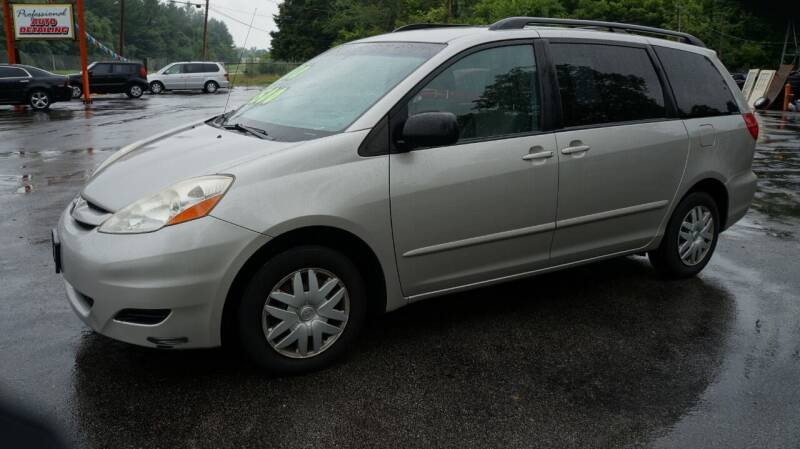 2010 Toyota Sienna for sale at G & R Auto Sales in Charlestown IN