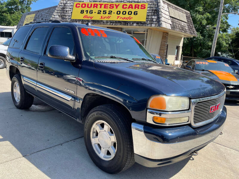 2004 GMC Yukon for sale at Courtesy Cars in Independence MO