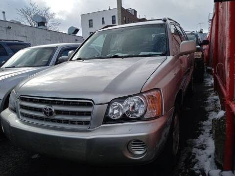 2002 Toyota Highlander for sale at Boston Road Auto Mall Inc in Bronx NY