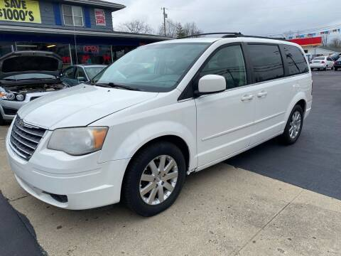 2008 Chrysler Town and Country for sale at Wise Investments Auto Sales in Sellersburg IN