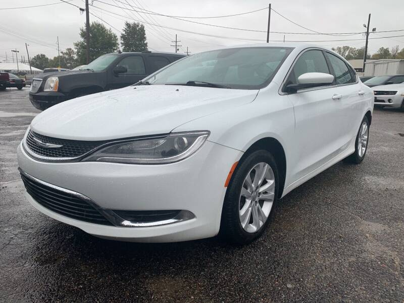2015 Chrysler 200 for sale at Safeway Auto Sales in Horn Lake MS