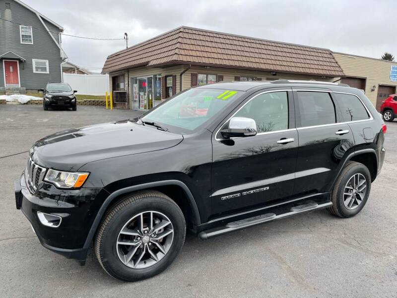 2017 Jeep Grand Cherokee for sale at MAGNUM MOTORS in Reedsville PA