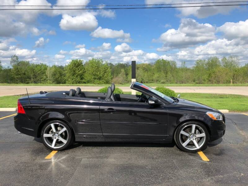 2011 Volvo C70 for sale at Fox Valley Motorworks in Lake In The Hills IL