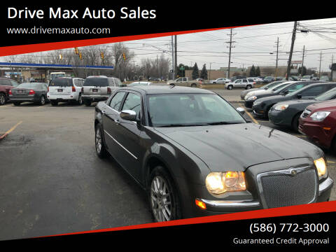 2009 Chrysler 300 for sale at Drive Max Auto Sales in Warren MI