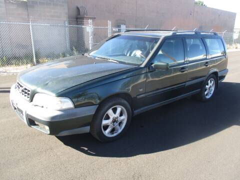 2000 Volvo V70 for sale at One Community Auto LLC in Albuquerque NM