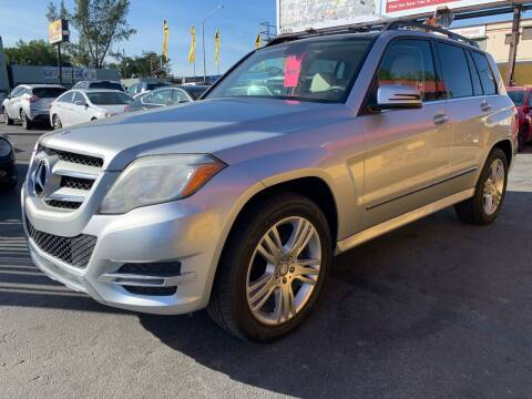 2013 Mercedes-Benz GLK for sale at AUTO ALLIANCE LLC in Miami FL