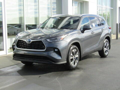 2021 Toyota Highlander Hybrid for sale at Brunswick Auto Mart in Brunswick OH