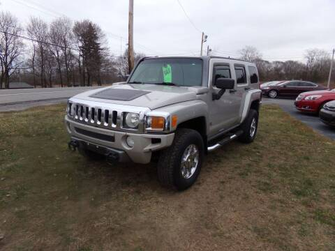 2006 HUMMER H3 for sale at Pool Auto Sales Inc in Spencerport NY
