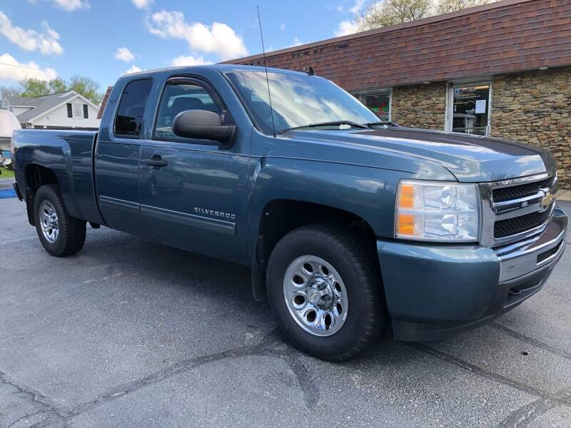 2011 Chevrolet Silverado 1500 for sale at Approved Motors in Dillonvale OH