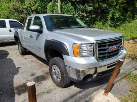 2010 GMC Sierra 2500HD for sale at North Knox Auto LLC in Knoxville TN