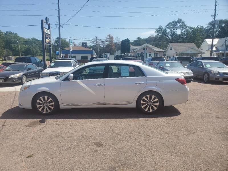 2011 Toyota Avalon for sale at RIVERSIDE AUTO SALES in Sioux City IA