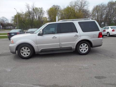 2004 Lincoln Navigator for sale at SPECIALTY CARS INC in Faribault MN