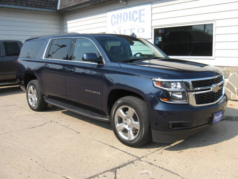 2017 Chevrolet Suburban for sale at Choice Auto in Carroll IA