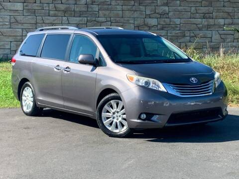 2011 Toyota Sienna for sale at Car Hunters LLC in Mount Juliet TN