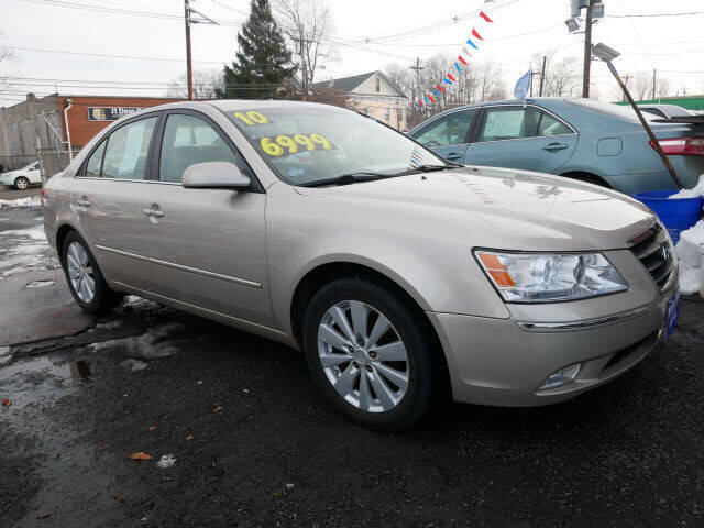 2010 Hyundai Sonata for sale at MICHAEL ANTHONY AUTO SALES in Plainfield NJ